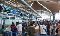 Vietnamese citizens return home from Malaysia