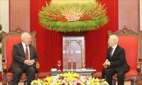 Vietnamese top leader praises Vietnam-Russia ties