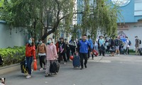 Programs organized to bring students home for Tet