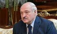 Lukashenko invites Biden and Putin to Belarus to discuss 'problems'
