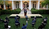 美国总统特朗普公布重新开放经济计划的联邦指南