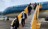 将有13趟航班运送越南公民回国