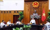 越南政府总理阮春福主持召开槟椥省领导班子会议