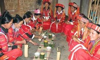 Images tell stories of Dao people