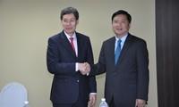 Vietnam boosts transport cooperation with Singapore, EU