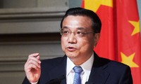 Chinese Premier visits Africa