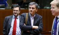 Greece, lenders reach deal to unlock further bailout funds