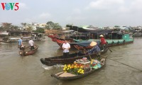 Cai Rang floating market busy ahead of Tet