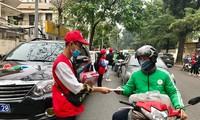 Vietnam Red Cross provides free masks, hand sanitiser