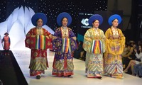 Vietnam's ancient costumes – connecting present and the past