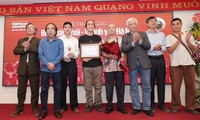 Ha Dong Intellectuals named Job Prize winner at Bui Xuan Phai Awards 2020