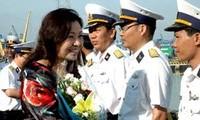 Visita Truong Sa delegación del Ministerio de Finanzas