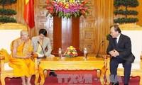 Vice premier vietnamita recibe a delegación budista de Camboya