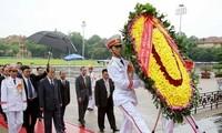 Concluye visita oficial de alto dirigente norcoreano a Vietnam