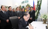 Dirigentes vietnamitas rindieron homenaje al ex monarca camboyano