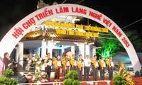 Inaugurada exposición de aldeas artesanales en Hue