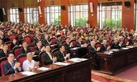 Los diputados vietnamitas aportan al perfeccionamiento de leyes