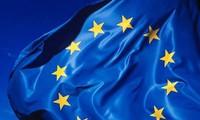 UE inicia una Cumbre para atajar el desempleo juvenil e impulsar el crédito