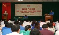 Vicepremier vietnamita conversa con cuadros juveniles