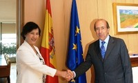 Culmina visita de vice presidenta parlamentaria vietnamita a España