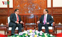 Presidente vietnamita se reúne con embajadores extranjeros