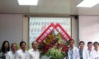 Rinden tributos a los médicos vietnamitas en su día