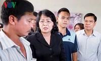 Vicepresidenta de Vietnam visita a las víctimas del incendio en el edificio Carina Plaza