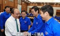 Premier vietnamita alienta la creatividad juvenil para el desarrollo nacional