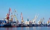 Vietnam acelera la conexión de infraestructuras portuarias