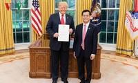 Donald Trump aprecia progresos en la asociación integral con Vietnam