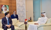 Vietnam y Emiratos Árabes Unidos decididos a elevar intercambio comercial