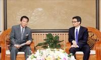 Vicepremier vietnamita recibe a embajador especial Vietnam-Japón