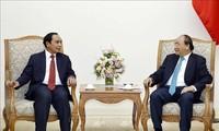 Vietnam lista para cooperar con Laos en materia de inversiones e infraestructuras