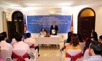 Dirigente partidista de Vietnam se reúne con personal de embajada nacional en Qatar