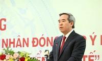 Vietnam invita a empresarios a aportar opiniones sobre políticas económicas nacionales