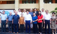 Hanói aplaude contribuciones de intelectuales y artistas a su desarrollo