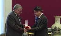 Conceden Medalla de la Amistad a Asociación Bélgica-Vietnam