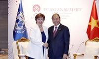 Dialoga premier vietnamita con líderes mundiales al margen de la 35 Cumbre de la Asean