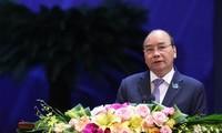 Primer ministro dialoga con jóvenes vietnamitas