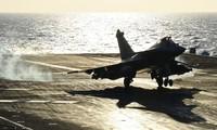 Francia desplegará portaaviones en apoyo a operaciones contra Estado Islámico en Medio Oriente