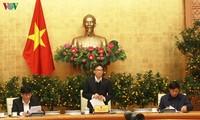 Vicepremier vietnamita urge a intensificar medidas de cuarentena para controlar el Covid-19