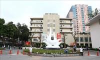 El Hospital Bach Mai reanuda al examen y tratamiento médico