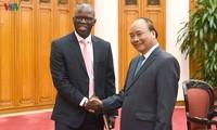 Recibe premier vietnamita al director nacional del Banco Mundial