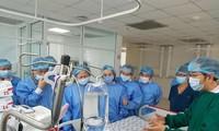 Vicepresidenta vietnamita estimula espíritu a siamesas separadas por cirugía