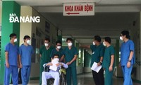 Otros cuatro pacientes vietnamitas del covid-19 dados de alta del hospital