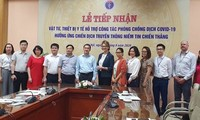 Vietnam recibe suministros médicos donados para combatir el covid-19