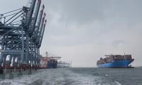 Provincia vietnamita recibe a un colosal buque para contenedores