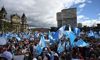 Protestas masivas en Guatemala para pedir la renuncia del presidente Alejandro Giammattei