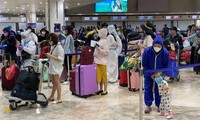 Casi 240 vietnamitas regresan a casa desde Filipinas
