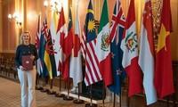 La ministra británica de Comercio Internacional aprecia el apoyo de Vietnam a su adhesión al CPTPP